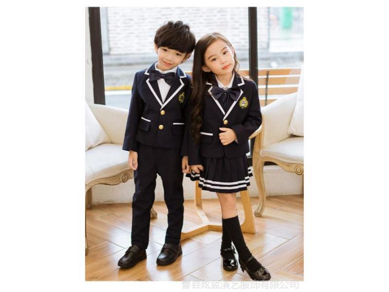 山西小学生冬季校服供应商-泉州款式新颖的小学生冬季校服批发出售