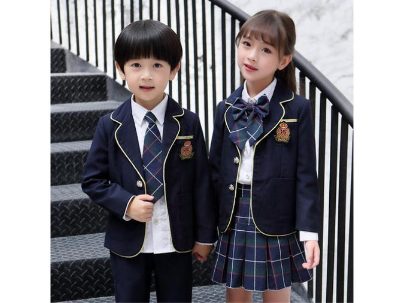 小學生冬季校服