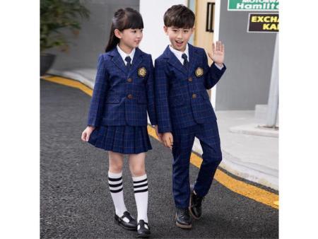 河南小学生冬季校服供应商-柏利斯服饰供应实惠的小学生冬季校服
