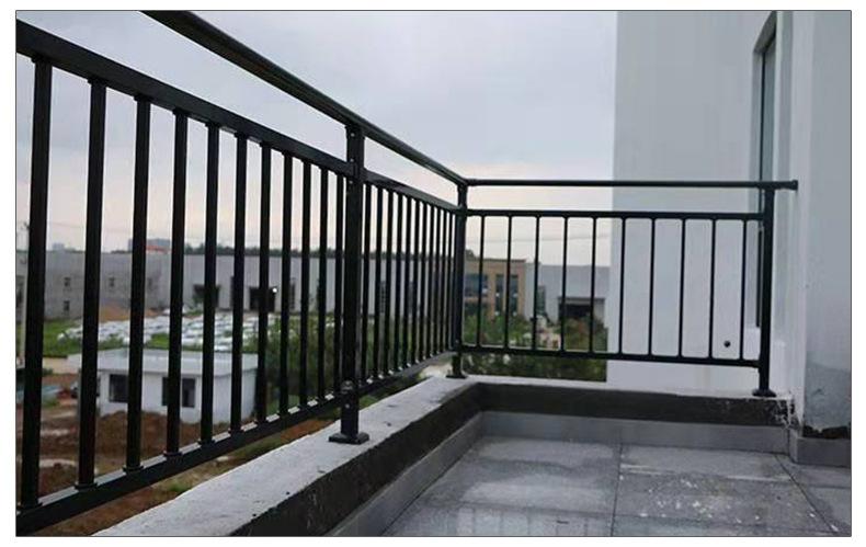 安仁专业的阳台护栏-供不应求的郴州阳台护栏推荐