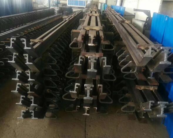 公路桥梁F60型伸缩缝,F-60型伸缩缝,伸缩缝生产厂家