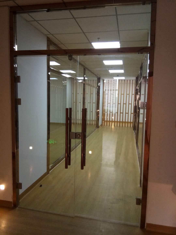不銹鋼玻璃隔斷多少錢_石家莊不銹鋼玻璃隔斷哪里買