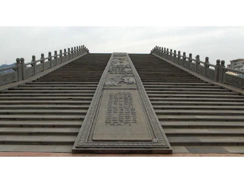 福建欄桿雕刻哪里有-蒲鼎石業供應專業的欄桿雕刻