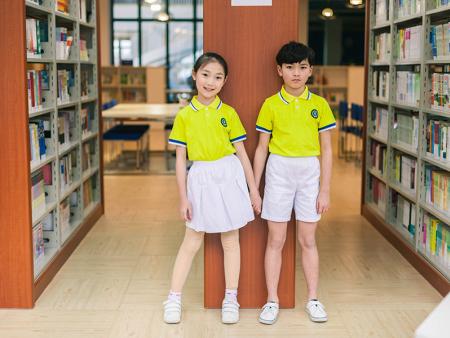 貴州小學生校服定做-贛州高品質小學生校服批發出售