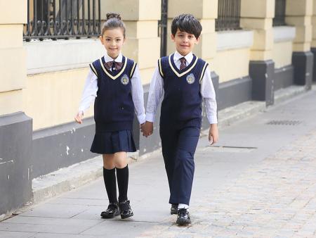 中學運動校服-質量好的校服哪里買