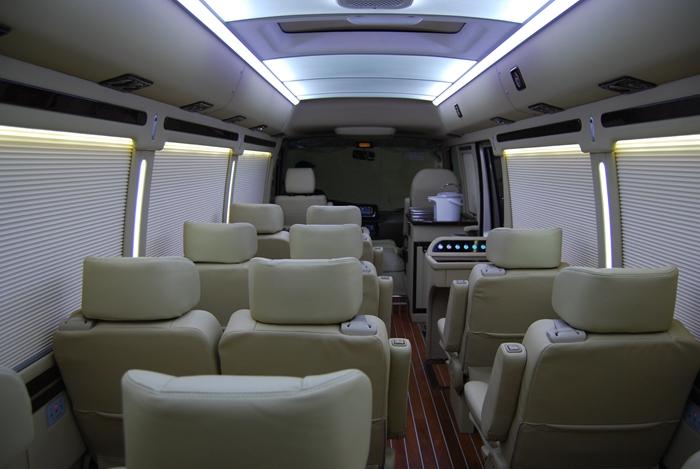 丰田考斯特17座公务接待用车改装价格——巴中考斯特4s店