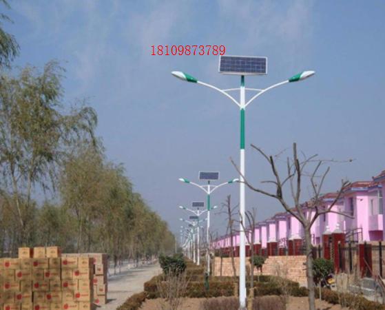 盤錦路燈廠:太陽能路燈具有哪些優勢?盤錦太陽能路燈
