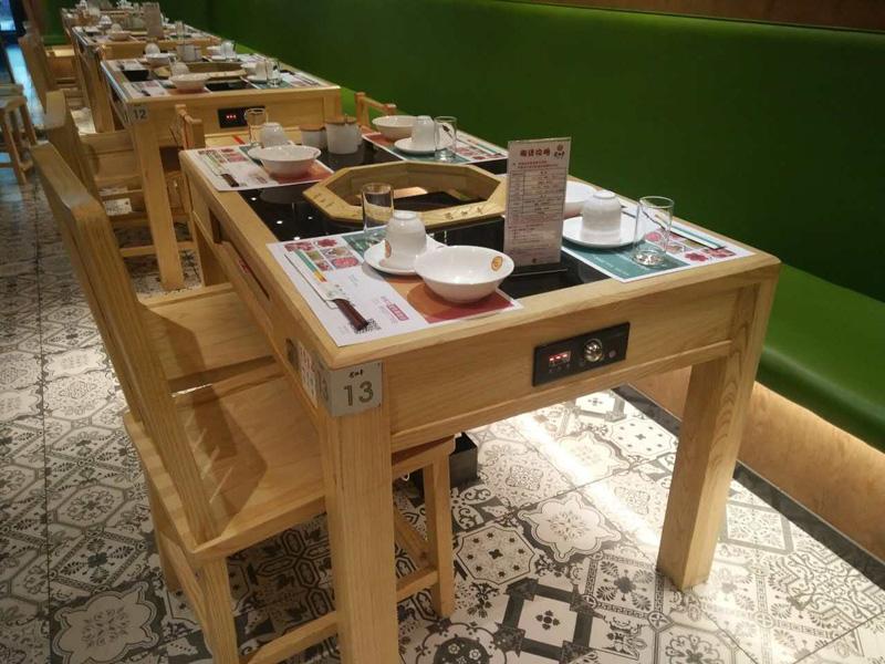 火鍋桌椅-安徽報價合理的火鍋家具博偉家具定制生產出售