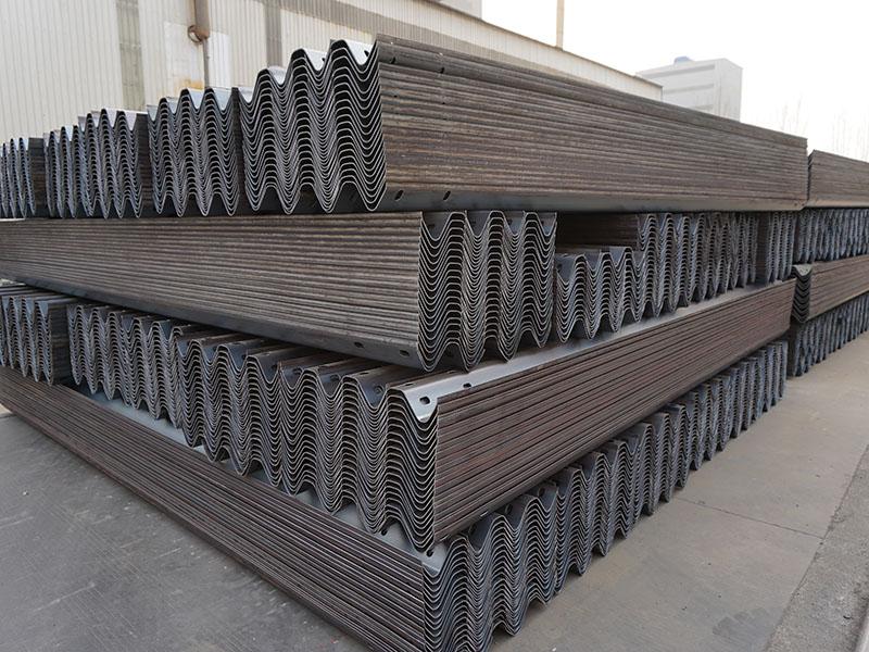 镀锌护栏生产厂家|聊城优惠的交通护栏批售