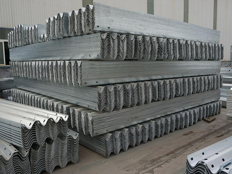山东钢护栏生产厂家-山东靠谱的交通护栏供应商是哪家