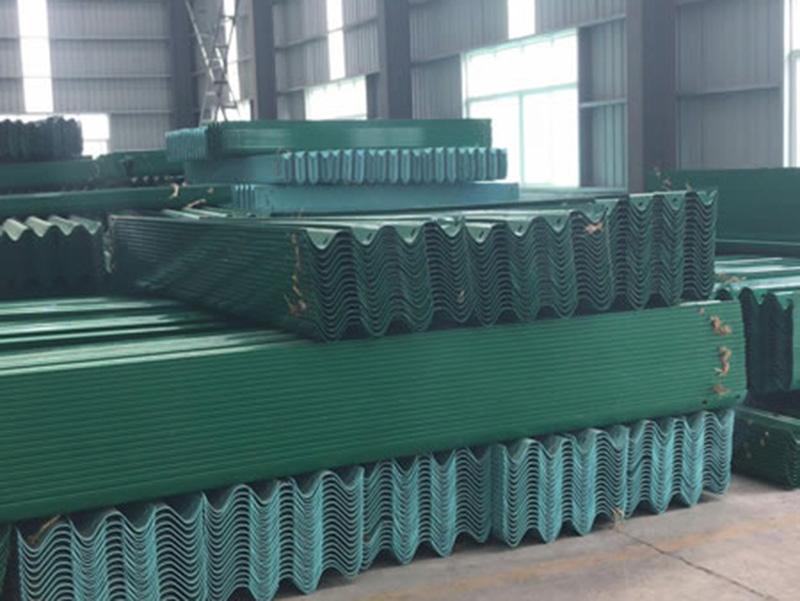 浙江波形护栏板-鑫升交通提供好的波形护栏