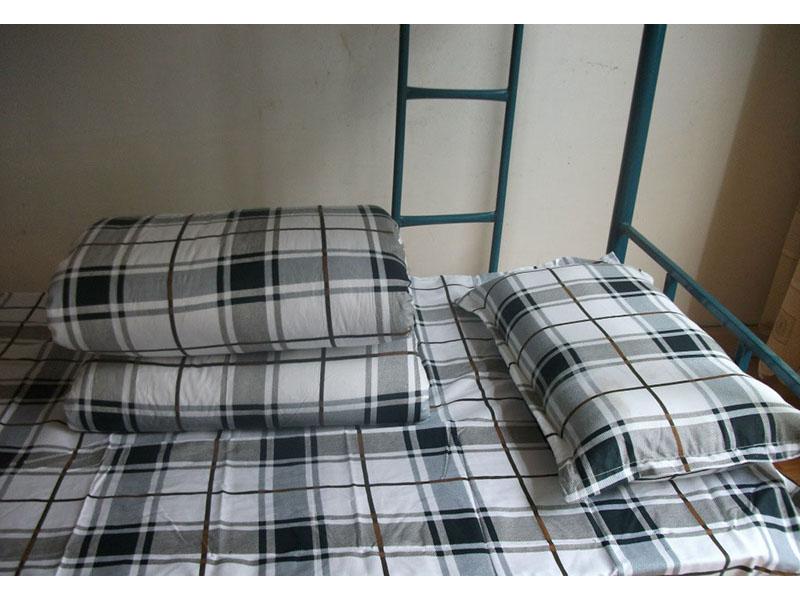 西北哪里有賣不錯的蘭州學生宿舍床品|蘭州學生被褥廠家