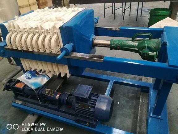 手动压紧压滤机小型压滤机实验室压滤机、移动式压滤机