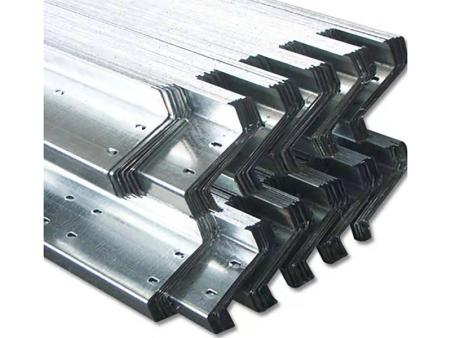 C型钢檩条的特点及适用——C型钢檩条哪里卖——锡泽
