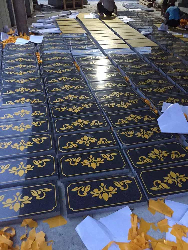 芝麻黑墓碑石斜盖板专卖店-峰森石业质量好的芝麻黑墓碑石斜盖板新品上市