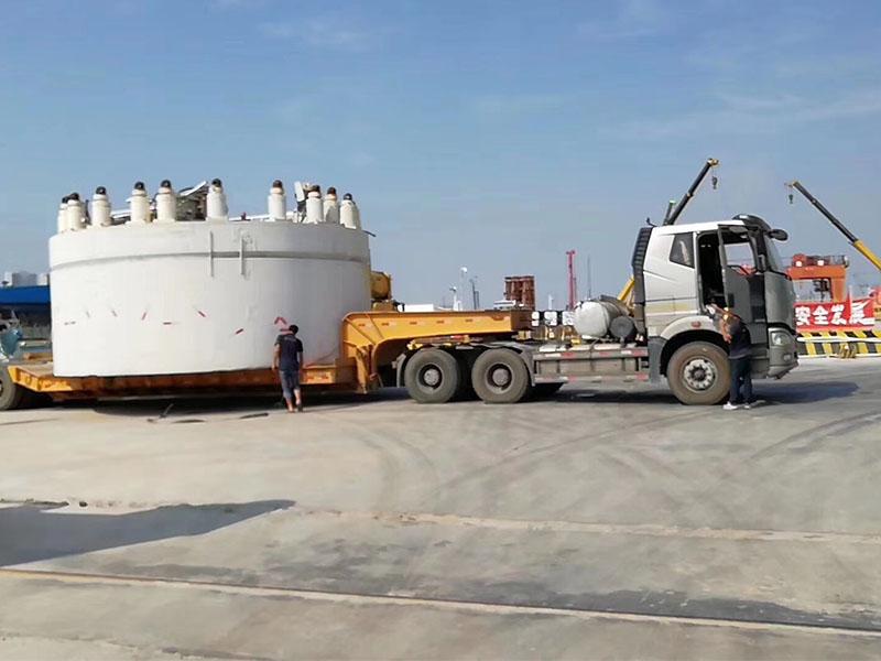化工设备运输多少钱_选服务好的大型化工设备运输服务服务就找海潮大件