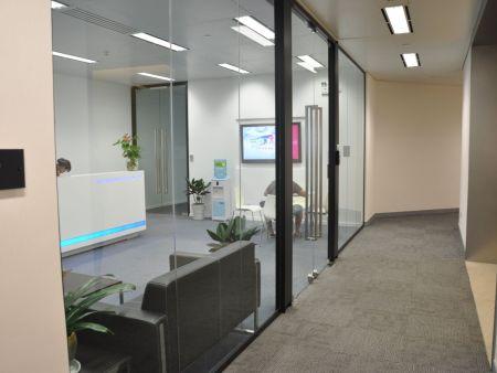 亳州办公室隔断玻璃-隔断玻璃-办公室成品玻璃隔断