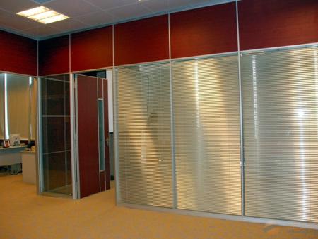 阜阳铝合金玻璃隔断-合肥铝合金框架带百叶隔断批发市场
