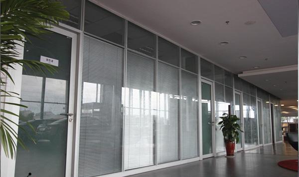 淮北玻璃隔断-铝合金的玻璃隔断-铝合金玻璃隔断墙