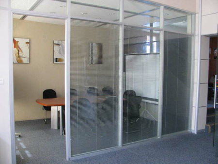 安庆玻璃隔断-贵阳玻璃高隔断-贵阳双玻璃百叶隔断