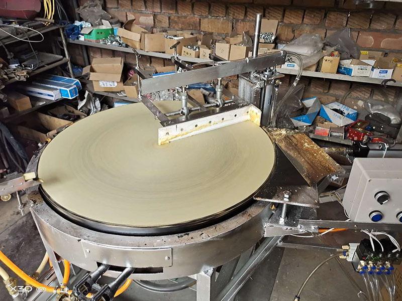 山东半自动煎饼机|山东价格合理的半自动煎饼机