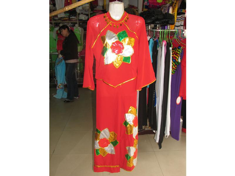 实惠的民族服装要到哪儿买_民族舞蹈服装批发