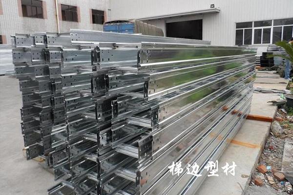 轻型桥架设备-托盘式电缆桥架成型机公司