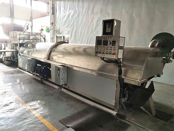 黑龍江滾筒式花生炒貨機流水線生產廠家,鹽焗花生炒貨機流水線哪家好