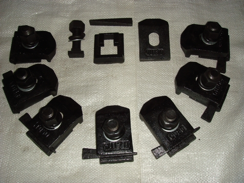 批发焊接式压轨器-伟基铁路器材提供专业的焊接式压轨器