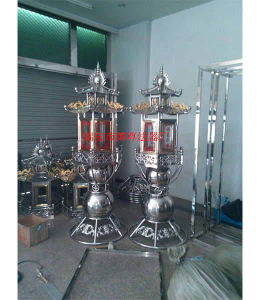 哪儿能买到设计新颖的铸铁蜡烛台,寺庙铁铸蜡烛台