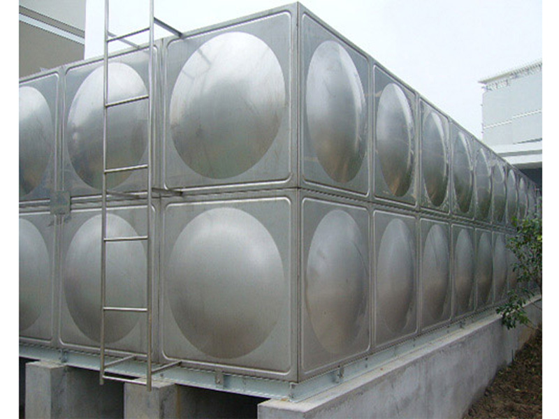 河南哪里有生產水箱的,濱州不銹鋼水箱上哪買