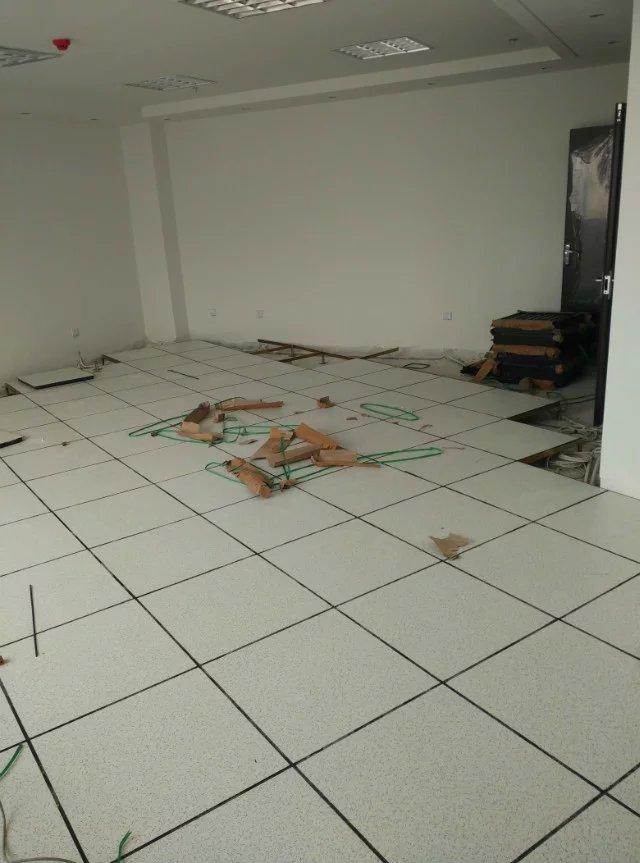 防静电地板专业供应厂家——抗静电地板