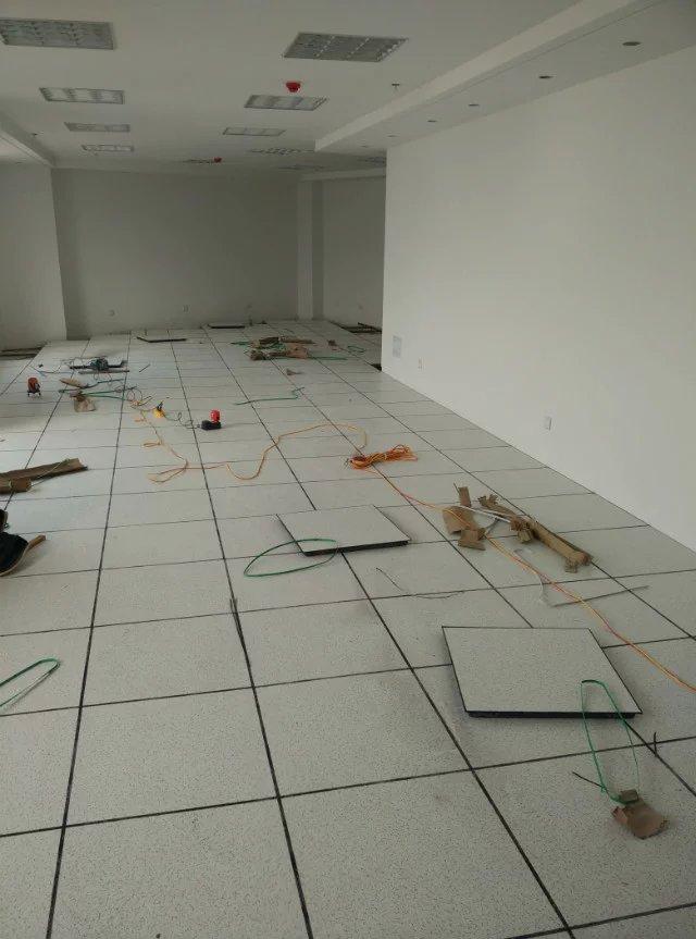 莲花萍乡无边防静电地板|耐腐蚀的萍乡机房专用防静电地板