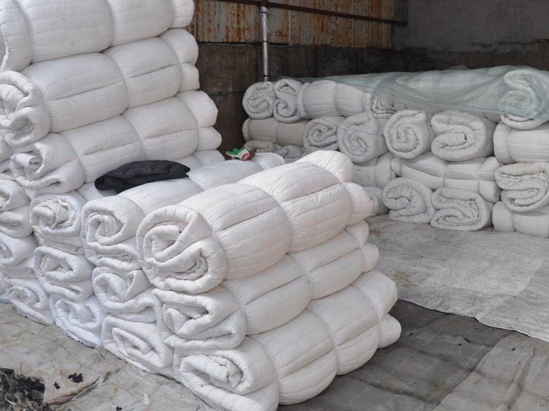 (山东车用棉被)车用棉被价格@车用棉被生产=太给力了!