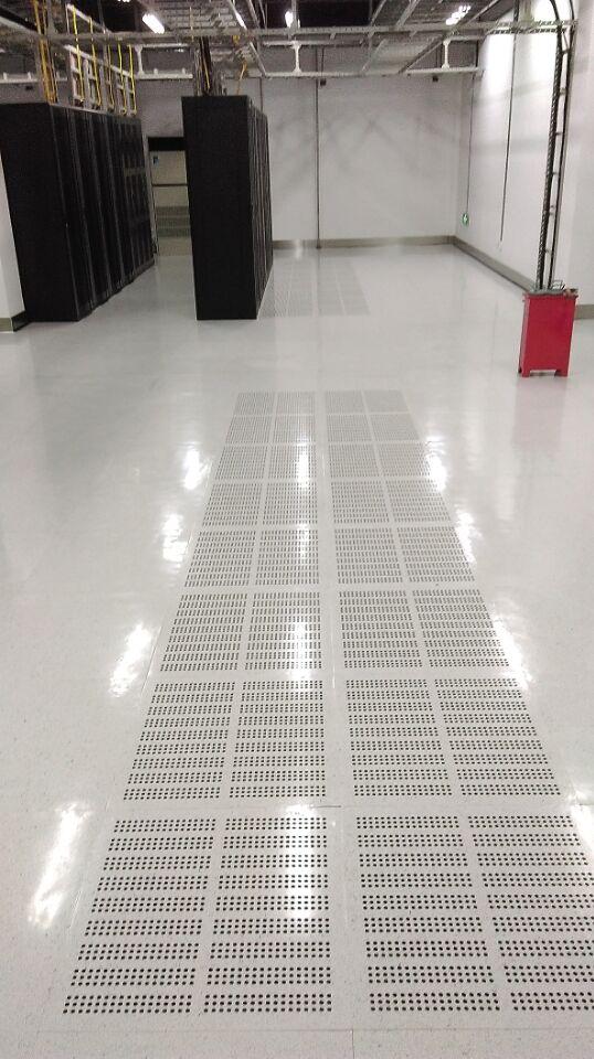 供应防静电地板_[天津波鼎]pvc防静电地板品质可靠