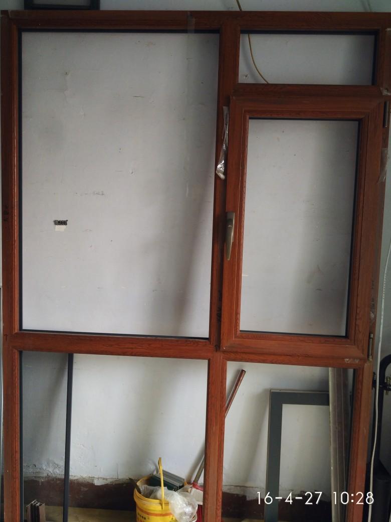 买划算的烟台铝包木门窗,就来海润门窗公司 密封性好的烟台铝包木门窗