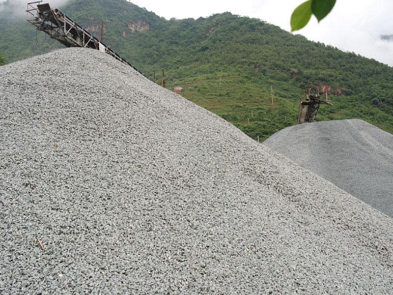 民用生石灰|买性价比高的碱石优选鑫能钙业