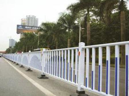 兰州新型围栏厂家——兰州恒源钢材和记手机app有限公司