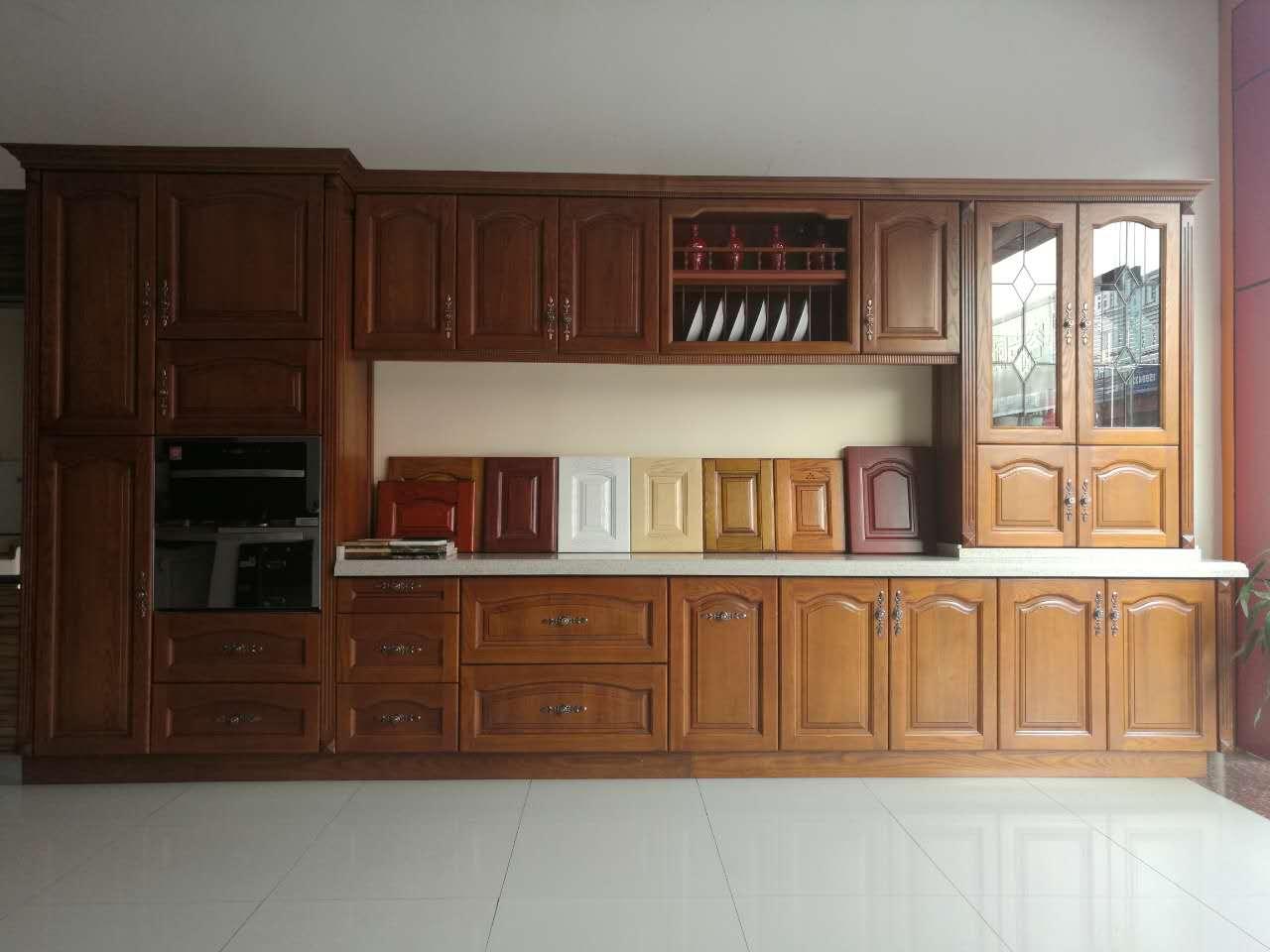 广西口碑好的实木橱柜定制|广西橱柜供应商