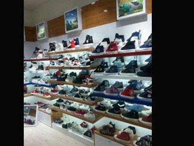 酒泉鞋柜厂家|怎么买质量硬的鞋柜呢