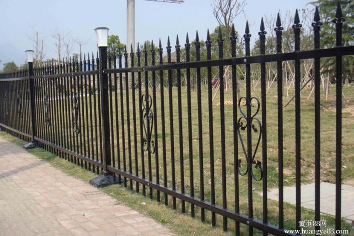 PVC护栏制作 山东哪里有供应实惠的锌钢护栏