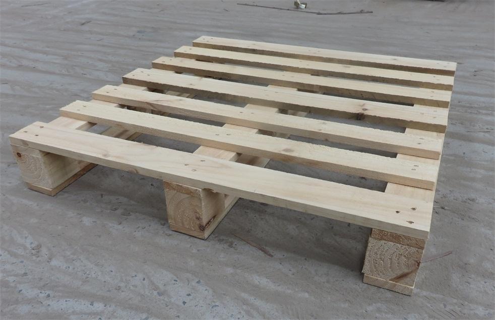廠家推薦熏蒸木托-買耐用的熏蒸木底托,就來偉一木業