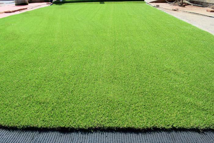 河南大量批发人工草皮哪家好_想要优惠的人工仿真草坪就来百绿园林