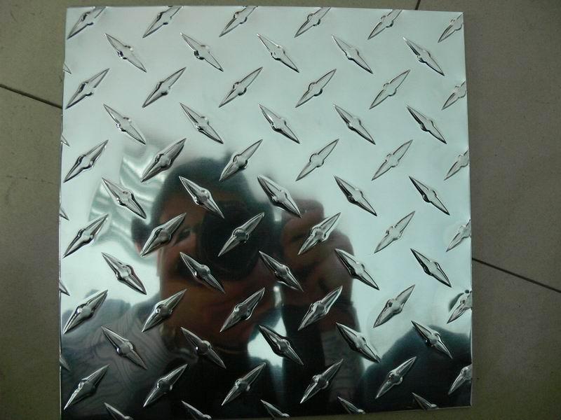 防滑铝板生产厂家济南信达铝业