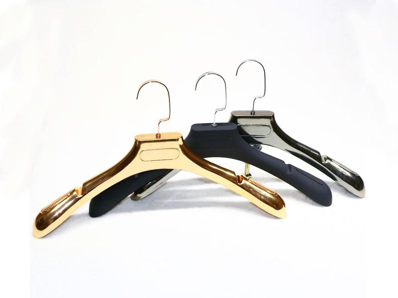 塑料衣架-供应价格合理的植绒衣架