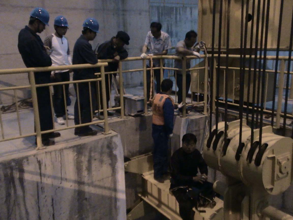 甘肃水电厂取排水工程|找口碑好的甘肃混凝土切割就到西北潜水公司