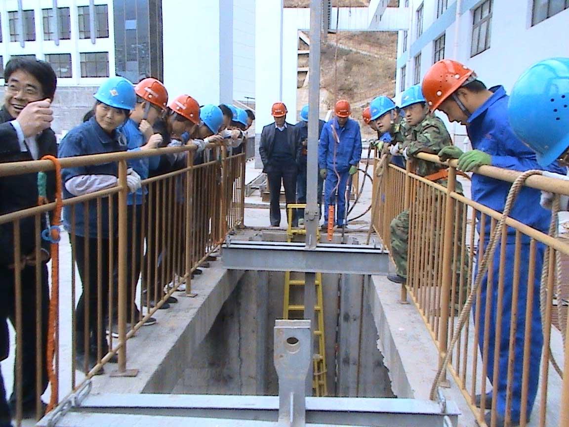 西宁水电站闸门水下录像-甘肃专业兰州潜水公司