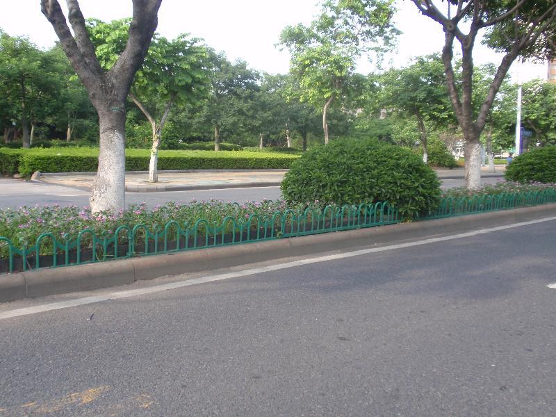 庭院圍欄廠家_宏輝金屬制品口碑好的花圃護欄供應
