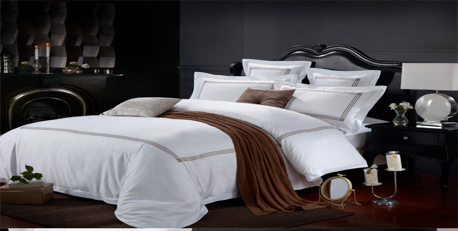 南通市新纪元宾馆用品有限公司专业从事设计,生产,销售各款式床单被套枕套产品,在设计开发、工艺、技术、产品质量等方面均达到国内先进水平,生产的床单被套枕套精美独特,并拥有自己的品牌特色,产品热销于全国。追求高品质和全方位满意度是南通新纪元永远不懈努力的目标,公司地址位于南通市钟秀东路58号慧源星城6幢,欢迎莅临指导。
