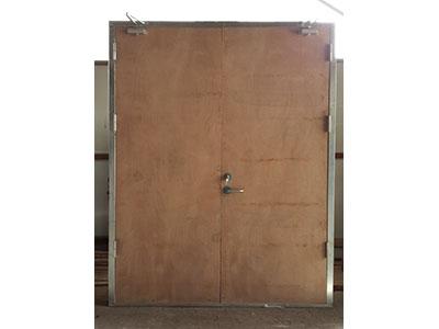 黄南木质防火门厂家-兰州保峰建筑材料有限公司的木质防火门怎么样